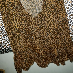 unknown Tops - Leapord Print Peasant Blouse XL